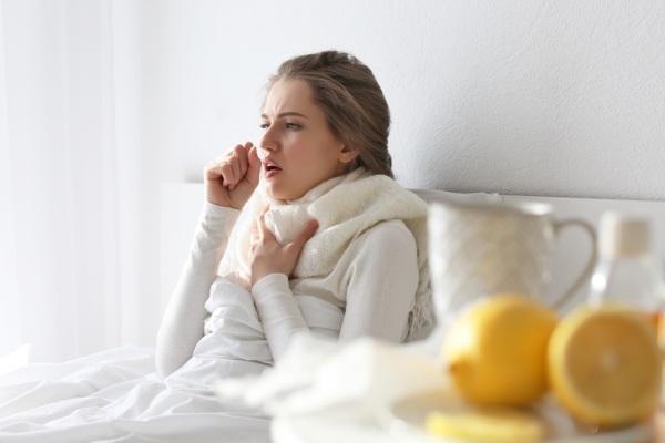 При лечении острого бронхита желательно соблюдать постельный режим