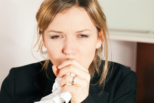 Боль в горле першение и кашель у женщины