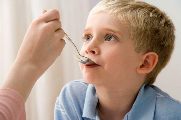 Что можно дать от кашля ребенку 8 лет?