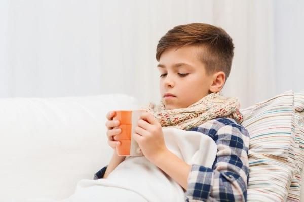 Мальчик заболел простудой