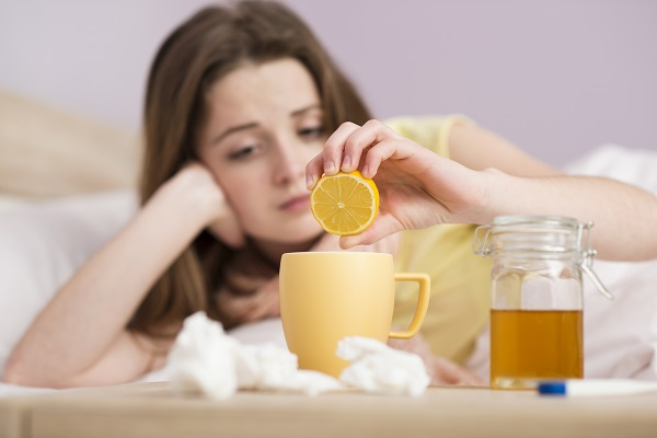 Чай с с лимоном и медом от кашля